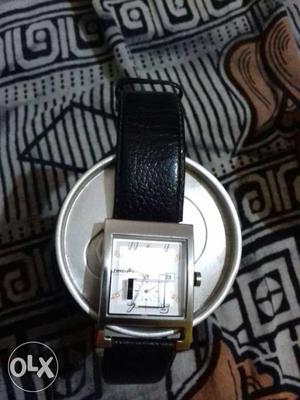 Fastrack watch approx 2 year old less use tiptop like new