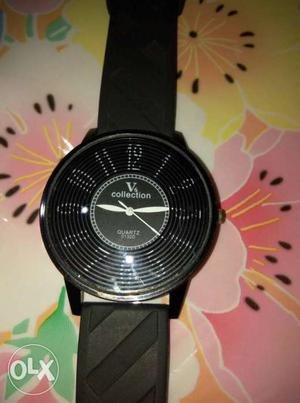 One black stylish wrist watch for men in new