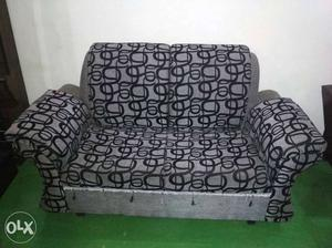 6 seater sofa set good condition three piece of 2