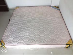 Almost like new 6*6 century flexi bond form mattress