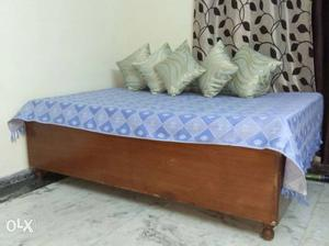 Wooden polished Diwan 6 feet by 4 feet with
