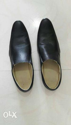 A pair of leather shoes of size 10 no. for urgent