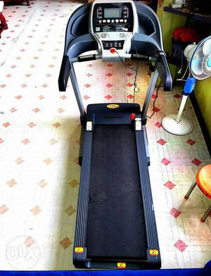 Motorised Treadmill one week used,with one year