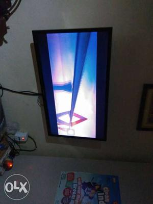 """Wanted to Sell 2 Year old 32"""" Samsung LED TV in"""