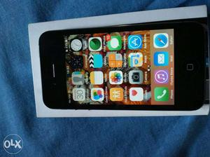 I phone 4 s In good condition with all