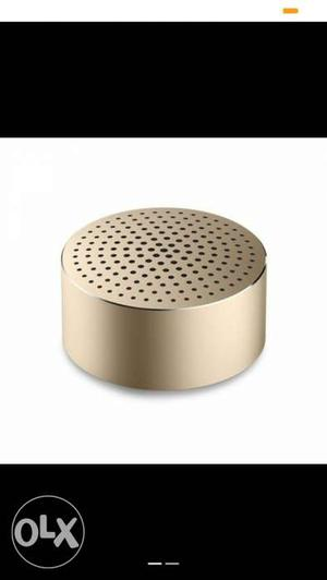 Xiomi Bluetooth speaker gold seal pack