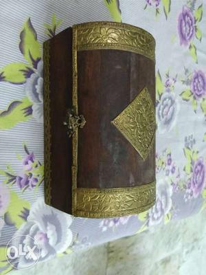 Treasure box which can be used as a jewellery box