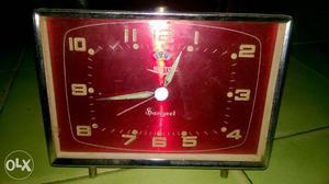 Vintage old alarm clock it is very very good