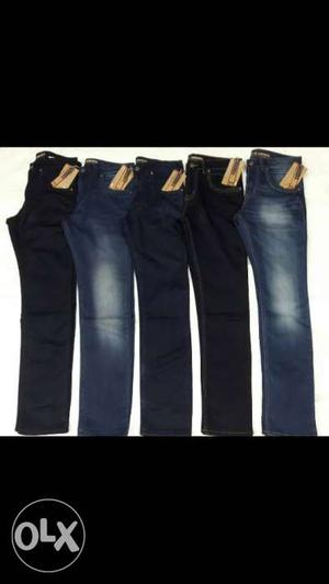 Five Blue-washed Jeans