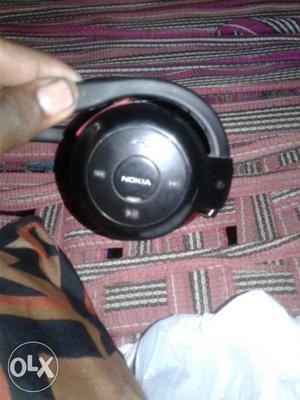 Black Nokia Bluetooth Headphone