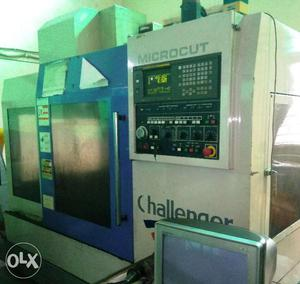 CNC Milling Vertical Machining Center VMC Machine