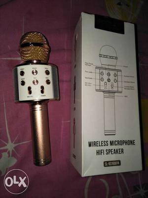 Rose gold Wireless karaoke Microphone..