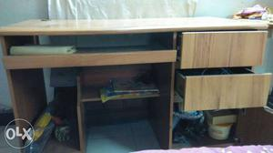 Computer table in excellent condition. Very
