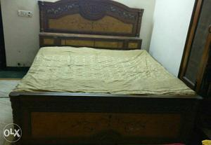 King Size Bed in excellent condition for sale in