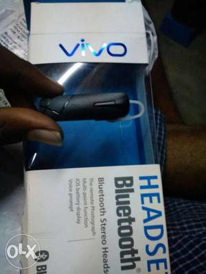 Black Vivo Bluetooth Earpiece