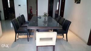 8 seater dining table almost new