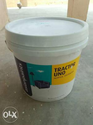 L have 10 empty distemper bucket 20 litres per