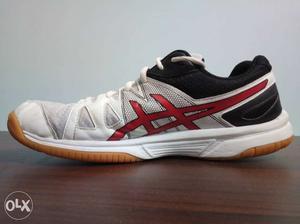 World's no. 1 brand ASICS badminton shoes,size 9, GEL