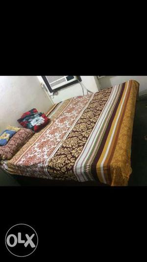 1 Storage Double bed with mattress in Good condition.