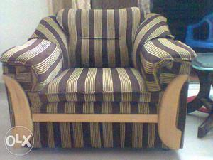 All typse of sofa set repaired at your door step