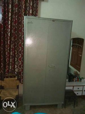 Steel almirah for sale in vry gud condition fixed