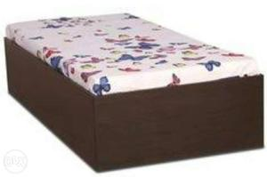 Wooden Divan With Storage fixed Price. dont Cal