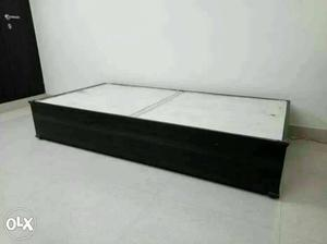 Single bed diwan for immediate sale no storage posot class for Diwan mattress