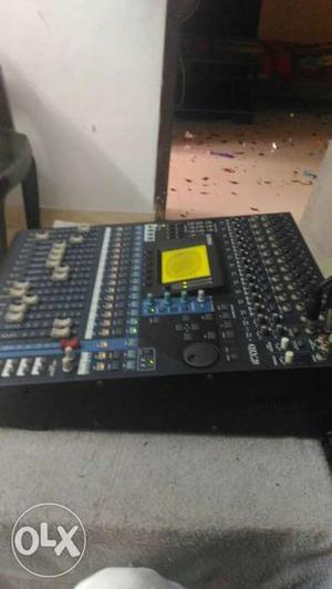 YAMAHA o1v96v2 digital mixer 32 channel, 8aux
