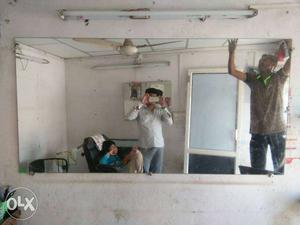 Mirror for beauty parlour with full size good