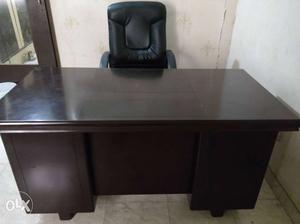 Office tebal 1no executive chair 1no office chairs 6 no