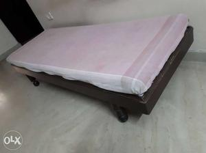 Seti(single bed) for house in a good condition