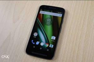 Moto E3 power it's in mint condition coming with