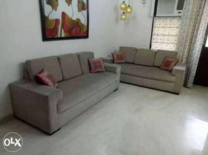 6 seater sofa set in excellent condition