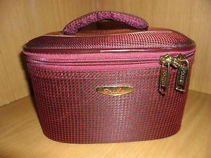 LADIES TRAVELING MAKEUP BOX / BAG, ORGANIZER KIT, VANITY