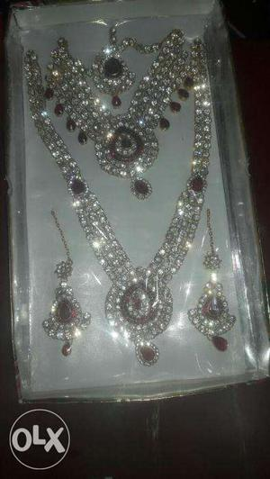 New bridal diamond jwellary set. With all