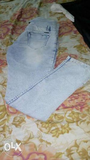 Washed Blue Jeans for woman, 30 size. Old but good condition