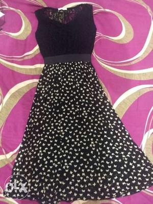Black dress perfect for parties or evenings Has