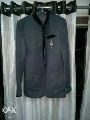 One day use jhodhpuri coat and pant. only 2 hours.xl size.