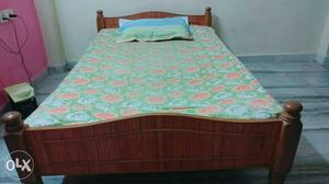 4×6 wooden bed in good condition, used only 7