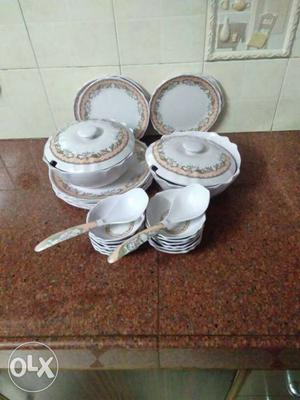 6 big plates. 6 small plates. 12 katoris. 2