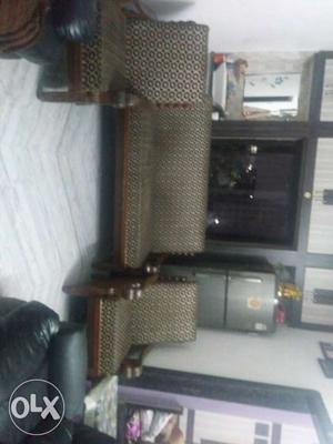 Ine big sofa and two small sofa