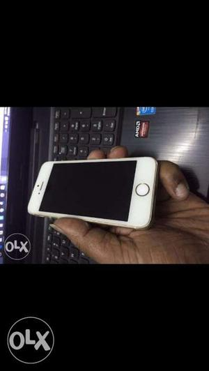 Iphone 5s (64 gb)super condition power button