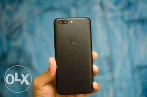 New OnePlus 5, 1month used only. 6gb version with