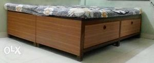 Wooden beds - 2 nos. - size 2.5' x 6' - for sale