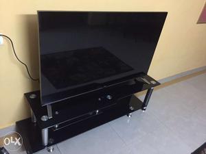 55 inch LED Smart TV 3D - LG brand - Broken