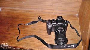 Canon DSLR Camera/Like as new /12.1Mega Pic/Full HD