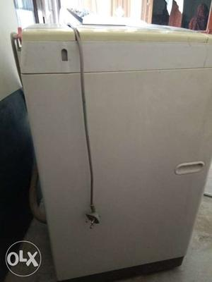 Lg top load washing machine 6.5 kg very good