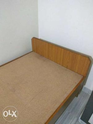 Set of 2 single cot beds available for sale