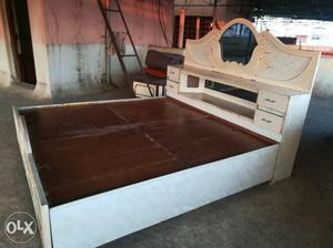 Wooden Bed 7×6 foot