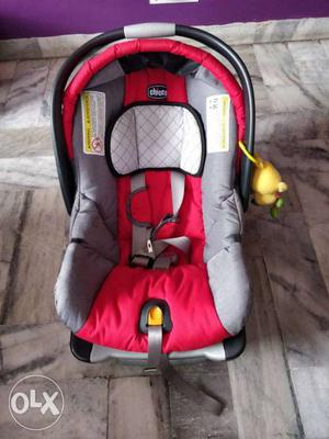 Chicco infant car seat (upto 18M / 13kg).